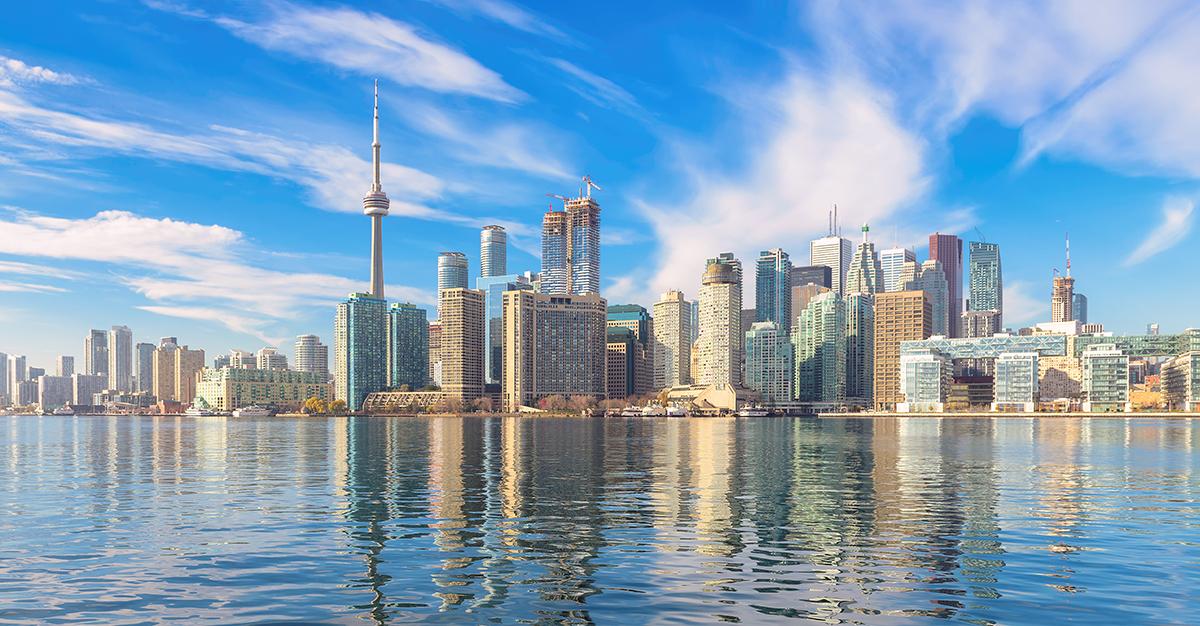 Canadá es uno de los países más importantes de América. Asegúrate de explorarlo de forma segura con las vacunas de viaje y los consejos de Passport Health.