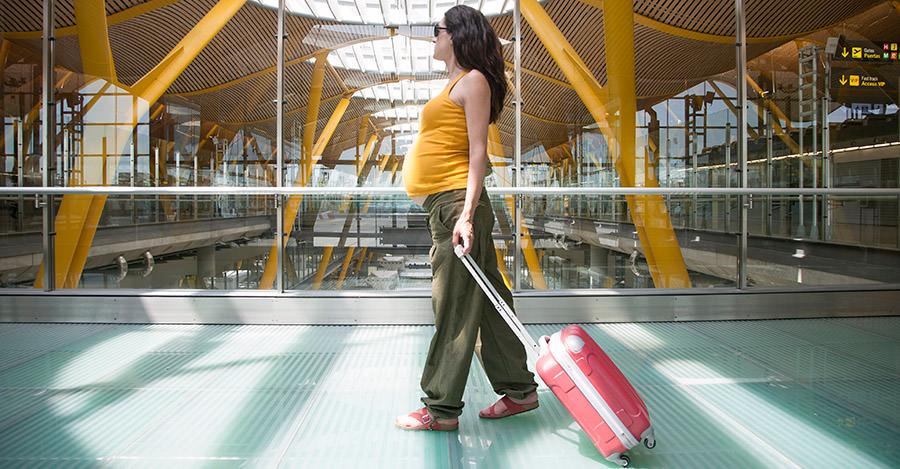 Viajando durante un embarazo no es facil, pero tiene unas cosas buenas.
