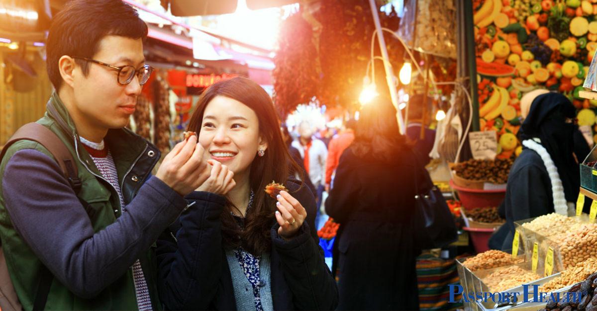 Cómo comer alimentos en el extranjero sin arriesgar tu salud