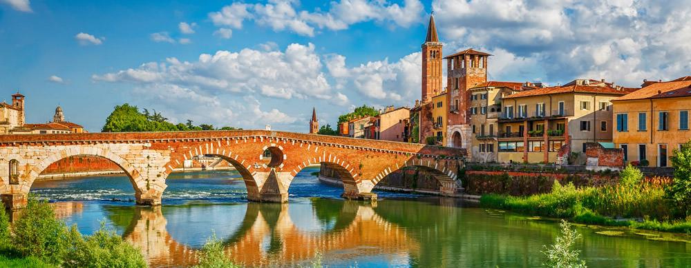 Italia tiene de todo para explorar. Asegúrate de ir en forma segura con tus vacunas de viaje y los consejos de Passport Health.