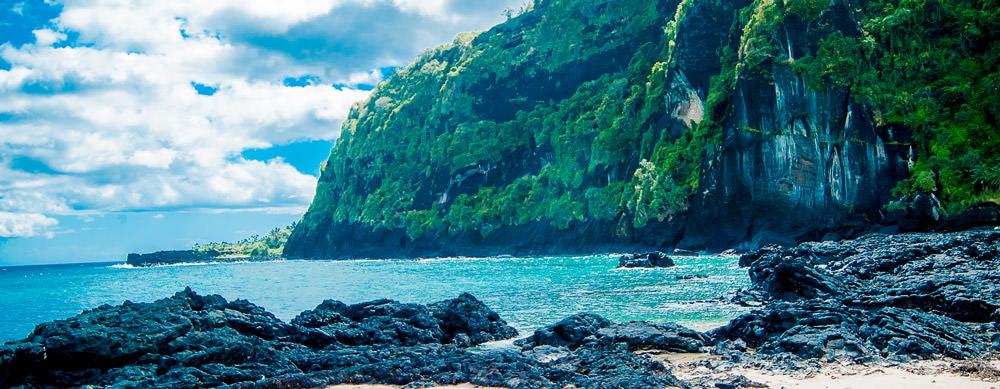 Comoras tiene de todo para explorar. Asegúrate de ir en forma segura con tus vacunas de viaje y los consejos de Passport Health.