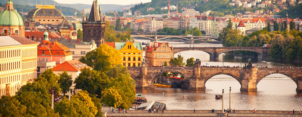 República Checa tiene de todo para explorar. Asegúrate de ir en forma segura con tus vacunas de viaje y los consejos de Passport Health.