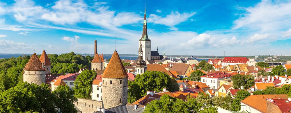 Estonia tiene de todo para explorar. Asegúrate de ir en forma segura con tus vacunas de viaje y los consejos de Passport Health.