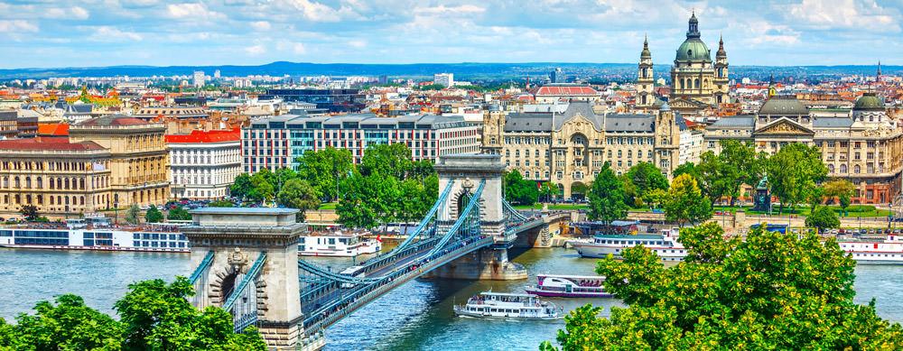 Hungría tiene de todo para explorar. Asegúrate de ir en forma segura con tus vacunas de viaje y los consejos de Passport Health.