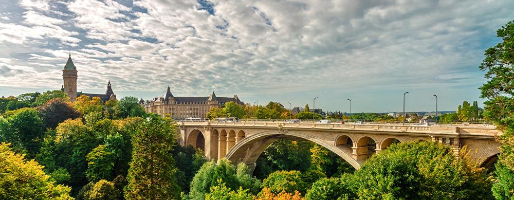 Luxemburgo tiene de todo para explorar. Asegúrate de ir en forma segura con tus vacunas de viaje y los consejos de Passport Health.