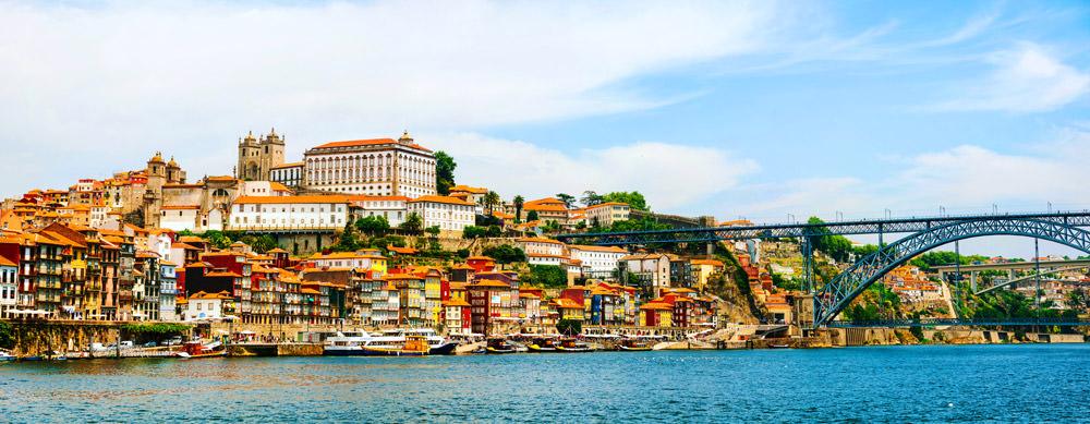 Portugal tiene de todo para explorar. Asegúrate de ir en forma segura con tus vacunas de viaje y los consejos de Passport Health.