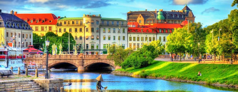 Suecia tiene de todo para explorar. Asegúrate de ir en forma segura con tus vacunas de viaje y los consejos de Passport Health.