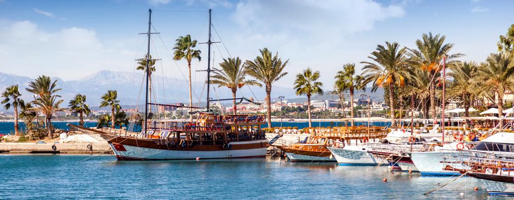 Turquía tiene de todo para explorar. Asegúrate de ir en forma segura con tus vacunas de viaje y los consejos de Passport Health.