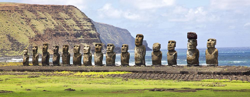 Isla de Pascua tiene de todo para explorar. Asegúrate de ir en forma segura con tus vacunas de viaje y los consejos de Passport Health.