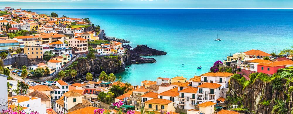 Madeira tiene de todo para explorar. Asegúrate de ir en forma segura con tus vacunas de viaje y los consejos de Passport Health.