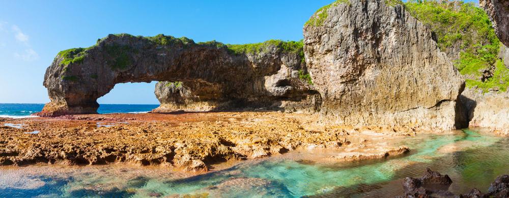 Niue tiene de todo para explorar. Asegúrate de ir en forma segura con tus vacunas de viaje y los consejos de Passport Health.