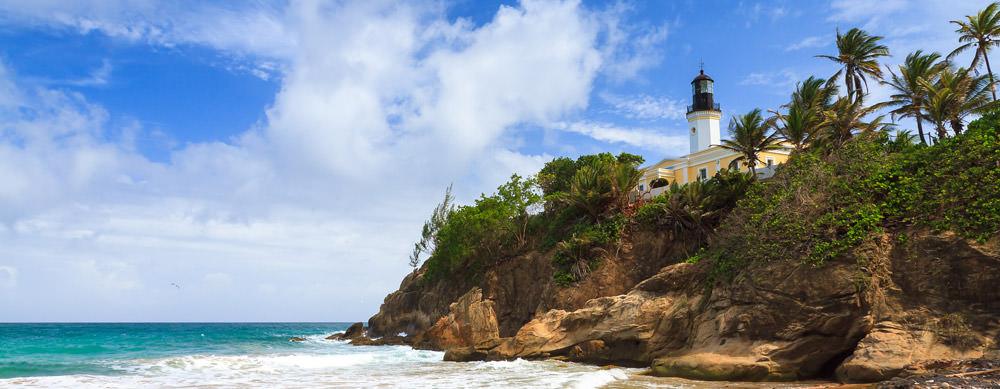 Puerto Rico tiene de todo para explorar. Asegúrate de ir en forma segura con tus vacunas de viaje y los consejos de Passport Health.