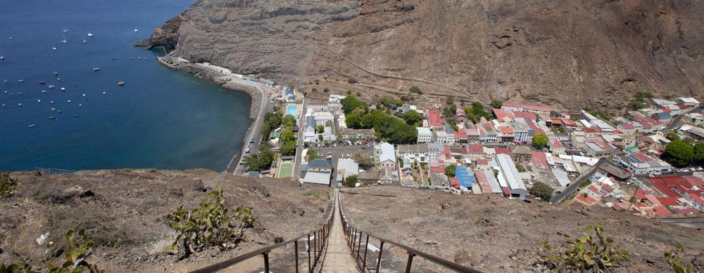 Santa Helena tiene de todo para explorar. Asegúrate de ir en forma segura con tus vacunas de viaje y los consejos de Passport Health.