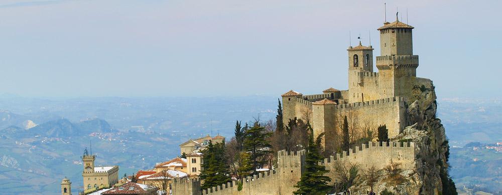 San Marino tiene de todo para explorar. Asegúrate de ir en forma segura con tus vacunas de viaje y los consejos de Passport Health.