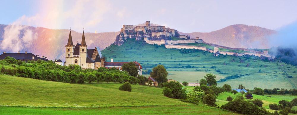 Eslovaquia tiene de todo para explorar. Asegúrate de ir en forma segura con tus vacunas de viaje y los consejos de Passport Health.