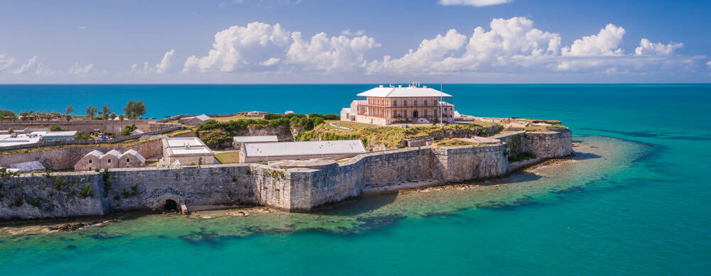 Travel safely to Bermuda with Passport Health's travel vaccinations and advice.